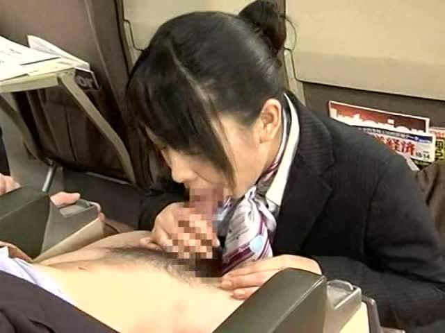 某航空会社には美人CAさんとフライト中に本番セックスできるサービスがあるらしい・・・・・